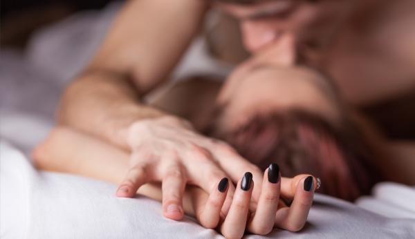 Que faut-il choisir entre la bougie et l'huile pour un massage réussi ?